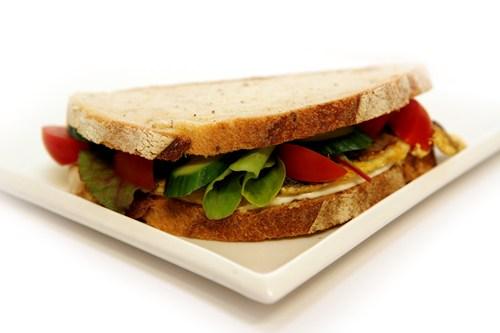 סנדוויץ חביתה טעים